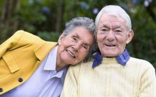 Выгодно ли получать пенсию работающим пенсионерам?