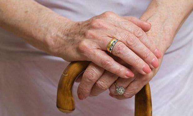 Как получить накопительную часть пенсии после смерти родственника