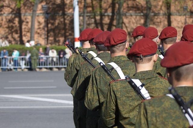 Повышение пенсии военным пенсионерам с 1 октября 2020 года: последние новости, калькулятор, расчет прибавки