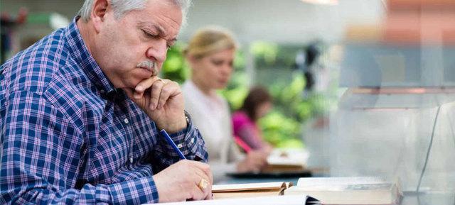 Запись в трудовой об увольнении в связи с выходом на пенсию (образец 2020 года)